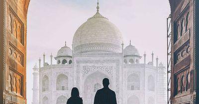 Der Taj Mahal ist dieses Jahr mit Schlamm überzogen und wir verraten dir warum