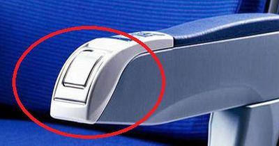 Warum gibt es in Flugzeugen immer noch Aschenbecher?