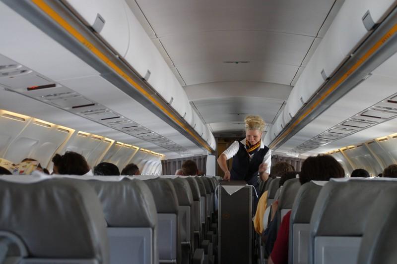 Die Bordcrew muss auf Fluggäste achten, die Flugangst haben.