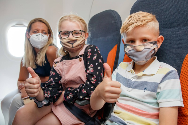 Kinder werden besonders beachtet von Stewards und Stewardessen.