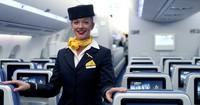 Darauf achten Flugbegleiter unauffällig bei Passagieren