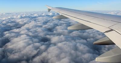 Essen im Flugzeug: Das musst du beachten