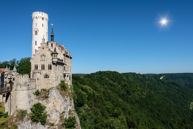 Schloss Lichtenstein steht in Deutschland.