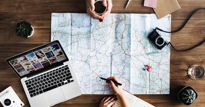 8 Wege, um beim Reisen Geld zu sparen