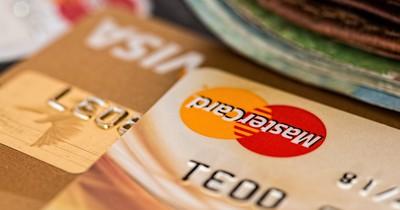 5 Tricks, um im Urlaub günstig an Bargeld zu kommen