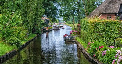 Diese holländische Stadt hat keine Straßen - nur Kanäle: