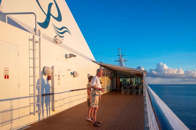An Bord von Kreuzfahrtschiffen sind die meisten Passagiere etwas älter.