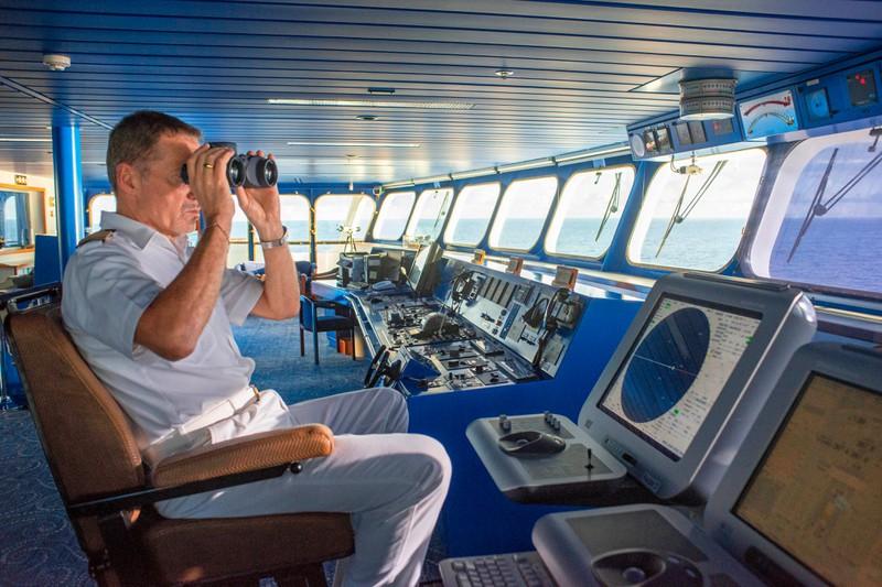 Der Kapitän geht als letztes von Bord bei einem Unglück.