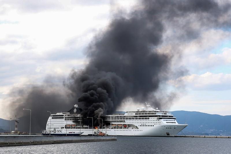 Leider kommt es auf Kreuzfahrtschiffen auch zu Explosionen, die Feuer verursachen.