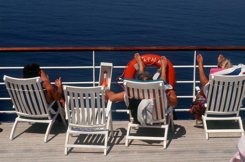 Während Passagiere an Bord entspannen, können Diebe aktiv werden.