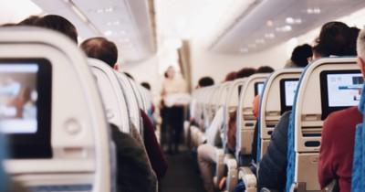 Fliegen: Auf diesen Plätzen hast du die meiste Beinfreiheit