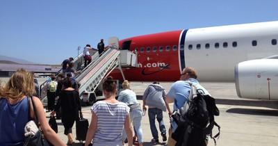 Die häufigsten Gründe, warum Passagiere aus dem Flugzeug geschmissen werden