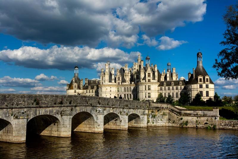 Auch das charmante Schloss Chambord solltest du einmal besuchen.
