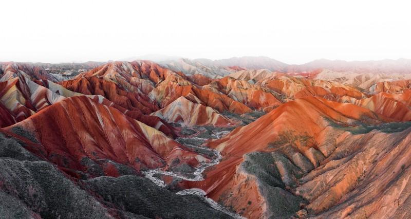 Die Farben des Danxia-Gebirges solltest du dir nicht entgehen lassen!