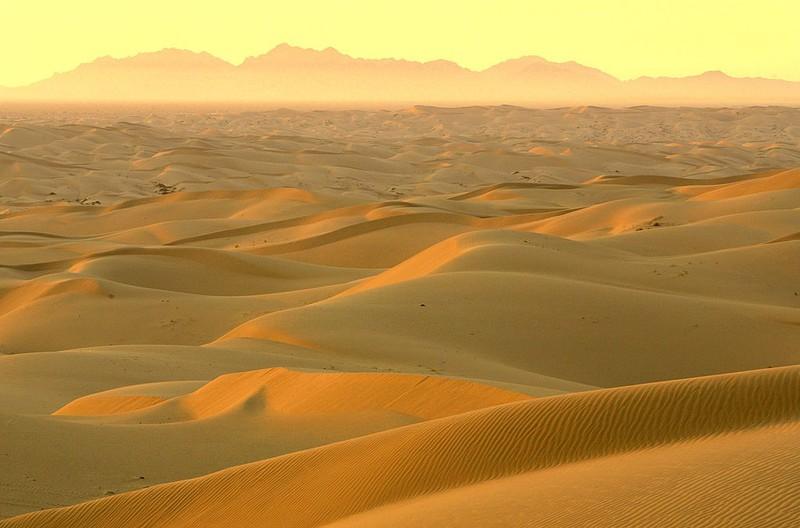 Die Sahara ist die größte Trockenwüste und einen Besuch wert.