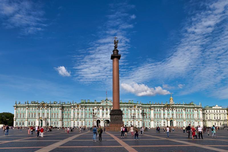 Auch St. Petersburg ist vollkommen überlaufen und somit leider echt überbewertet.