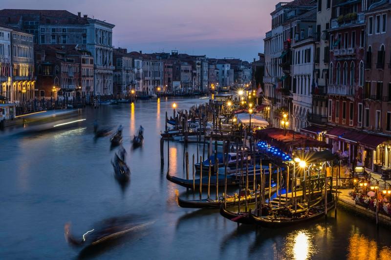 Venedig ist leider voll mit Touristen und somit echt überbewertet.
