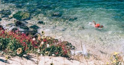 Wild Swimming: 9 faszinierende Badeorte in Spanien