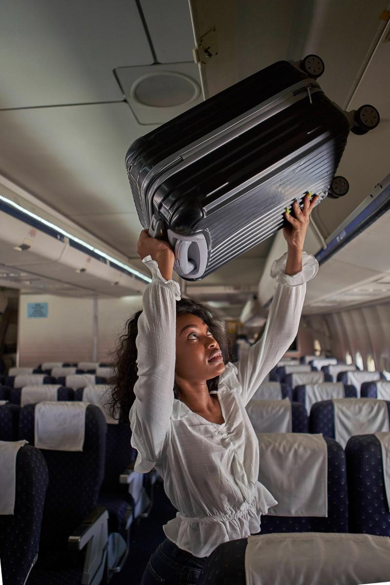 So überlebst du einen Langstreckenflug