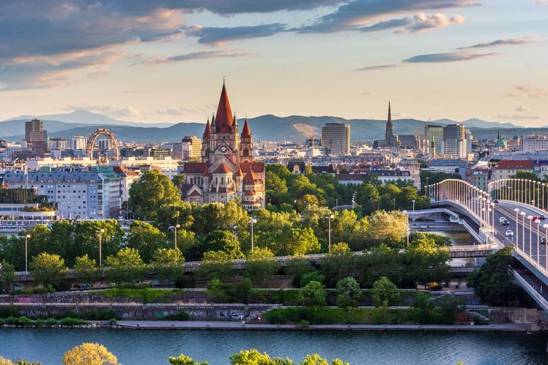 Zu sehen ist das Panorama der Stadt Wien.