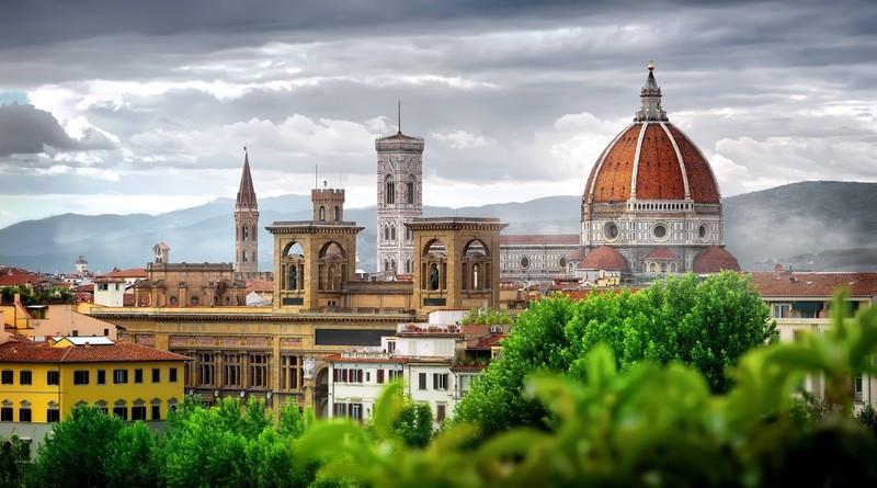 Zu sehen ist die Stadt Florenz und mit der Santa Maria Del Fiore Kathedrale.