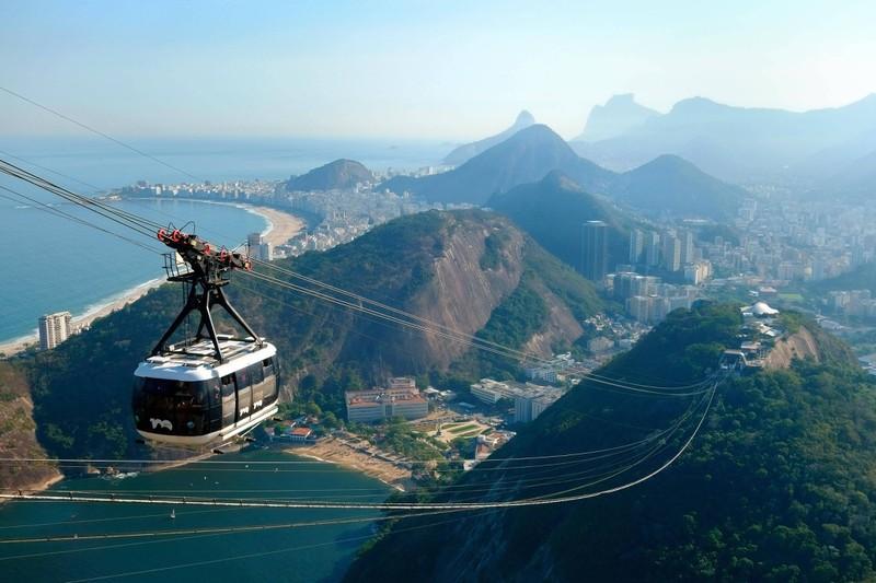 Die eindrucksvolle brasilianische Stadt Rio de Janeiro muss man gesehen haben.