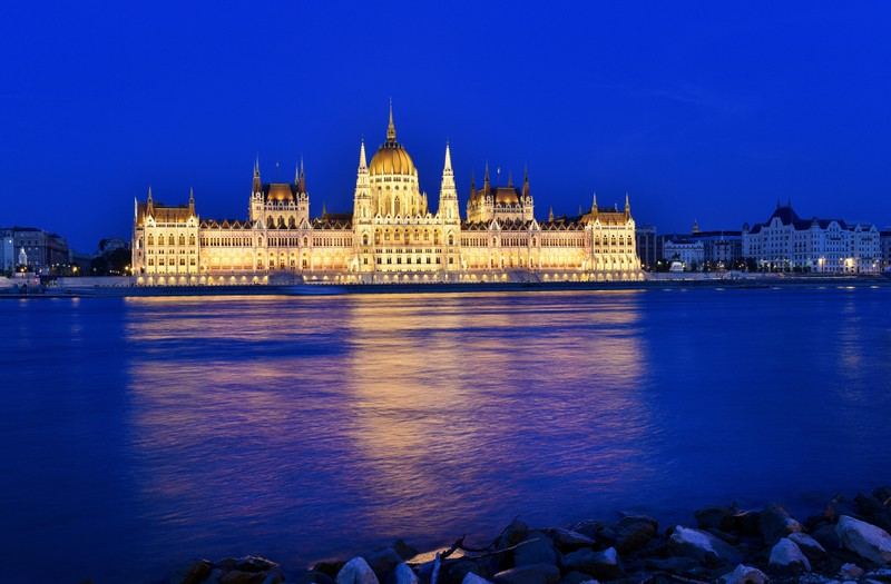 Man sieht Ungarn und es geht um günstige Reiseziele weltweit.