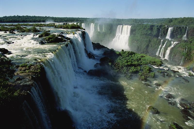 Hier siehst du die berühmten Wasserfälle Brasiliens.