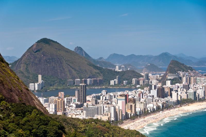Rio de Janeiro bietet einige schöne Strände in Brasilien.