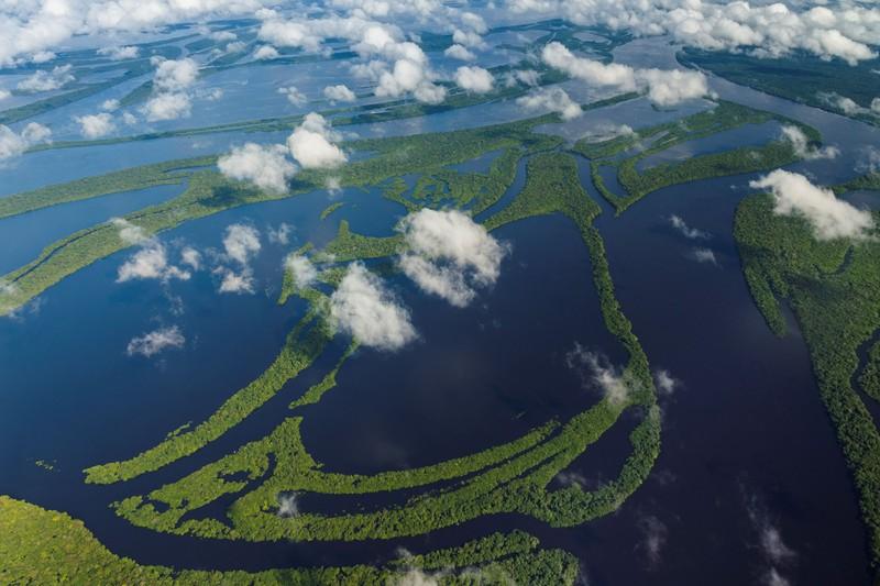Vielleicht hilft dir das Luftbild, auf den Fluss zu kommen.