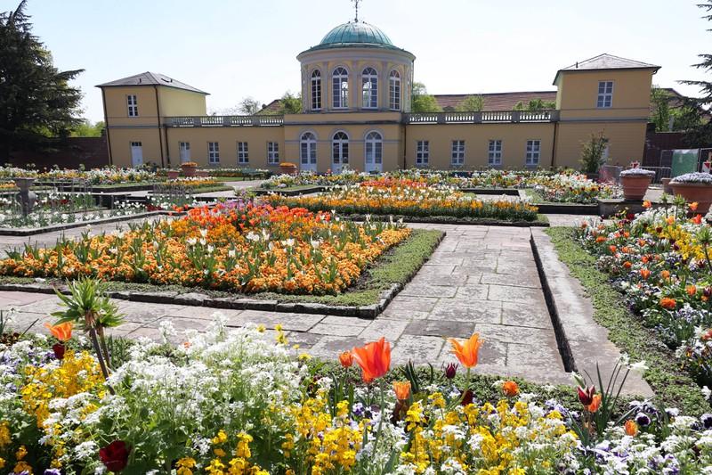 Der Herrenhäuser Gärten-Berggarten ist ein schöner Ort in Hannover