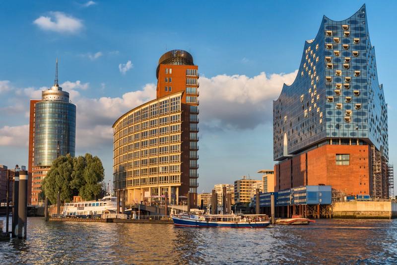 Dieses Bild zeigt die Stadt Hamburg in Deutschland.
