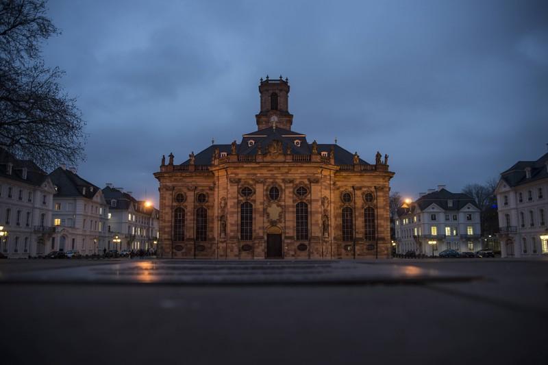 Dieses Bild zeigt die Stadt Saarbrücken in Deutschland.