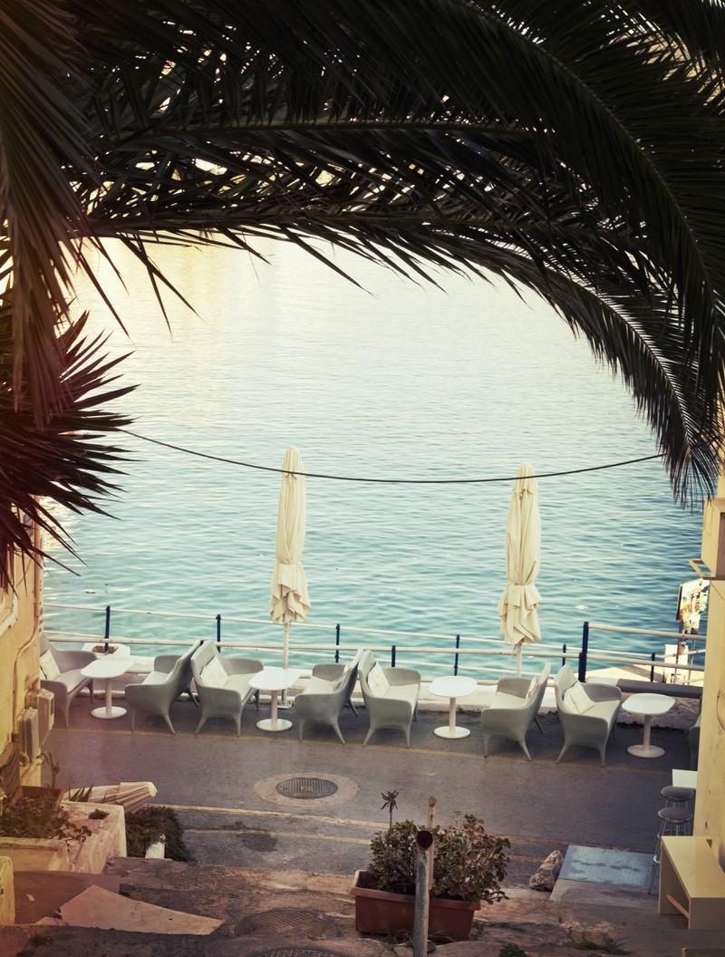 Dieses Bild zeigt einen Strand auf der Urlaubsinsel Kreta.