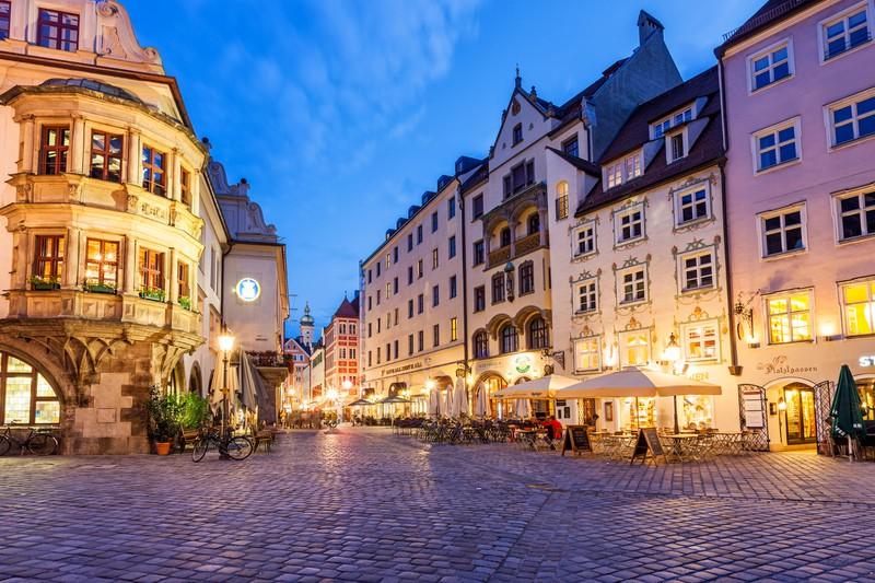 Ein alter Marktplatz in der Innenstadt