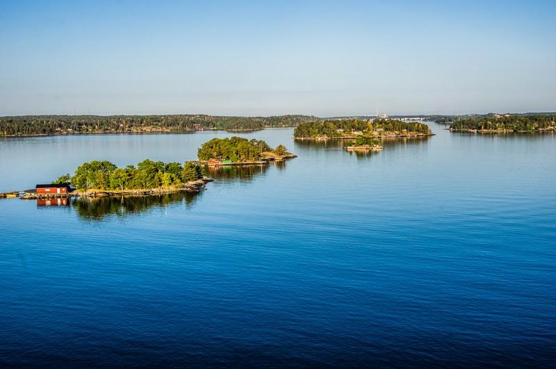 Riesiger See mit kleinen Inseln
