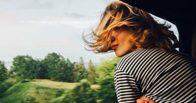 10 Tipps, um lange Zugfahrten zu überstehen
