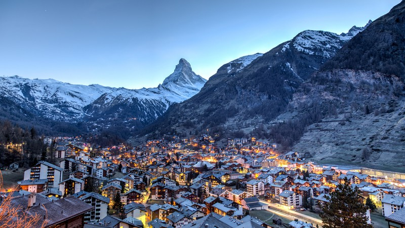 Blick von Matterhorn und Zermatt
