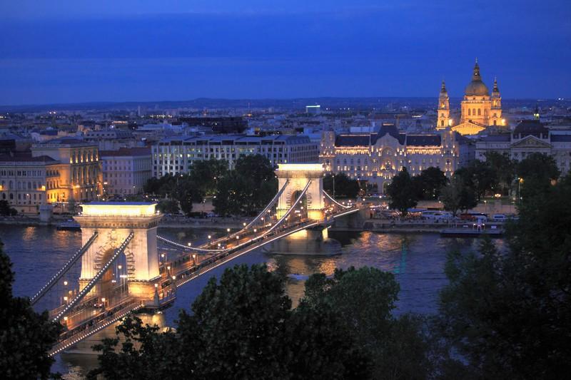 Die Kettenbrücke in Budapest ist eine echte Attraktion.