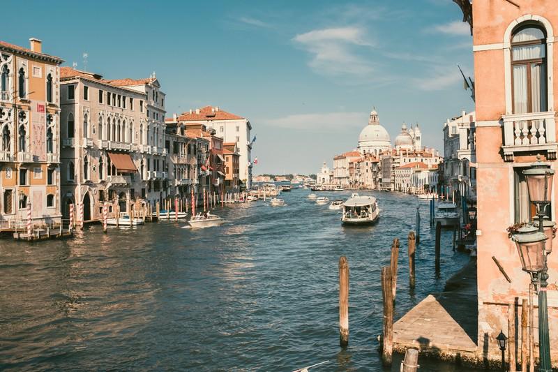 Neben den Gondelkanälen gibt es in Venedig einiges zu sehen.