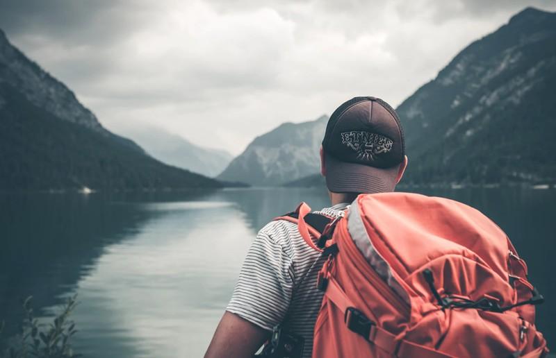 Man reist sparsam und solo