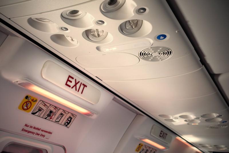 Der sicherste Platz im Flugzeug ist daher immer der am Notausgang