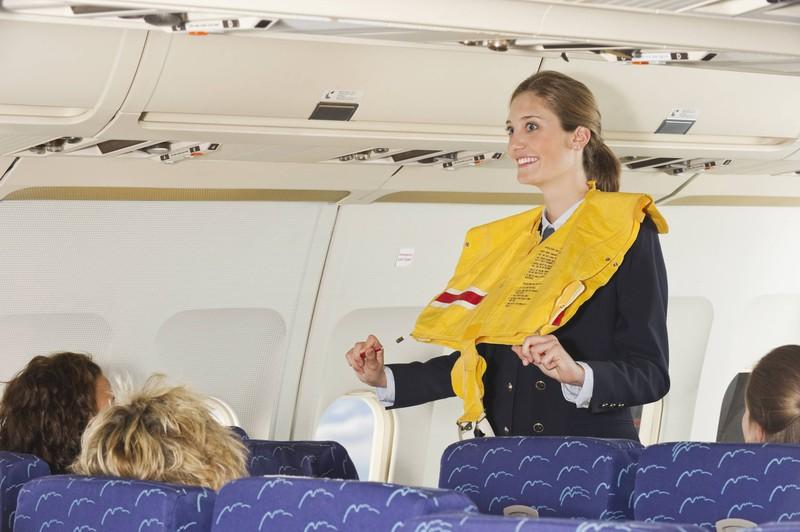 Jeder Platz kann noch so sicher oder gefährlich sein, das bringt nichts wenn man bei der Sicherheitsbelehrung im Flugzeug nicht aufpasst