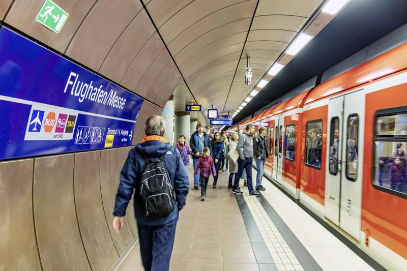 Mit den Zug-zum-Flug-Ticket lässt sich ein günstiger Urlaub buchen, auch wenn man mehr Zeit einplanen muss