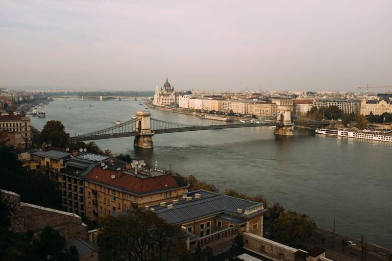 Dieser Fluss verbindet viele Länder in Europa und ist eine Reise wert