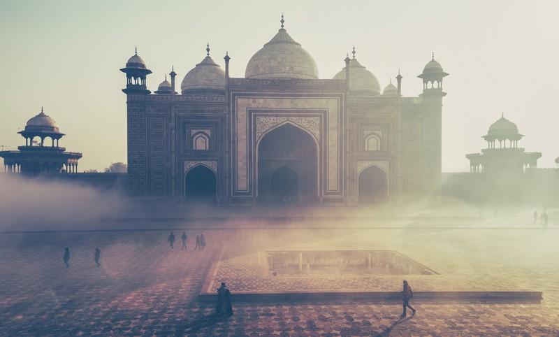 Auch der Taj Mahal gehört zu den Sehenswürdigkeiten, die man ein Mal im Leben besucht haben sollte