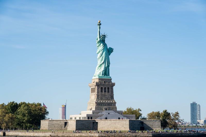 Die Freiheitsstatue gehört zu den beliebtesten Sehenswürdigkeiten.