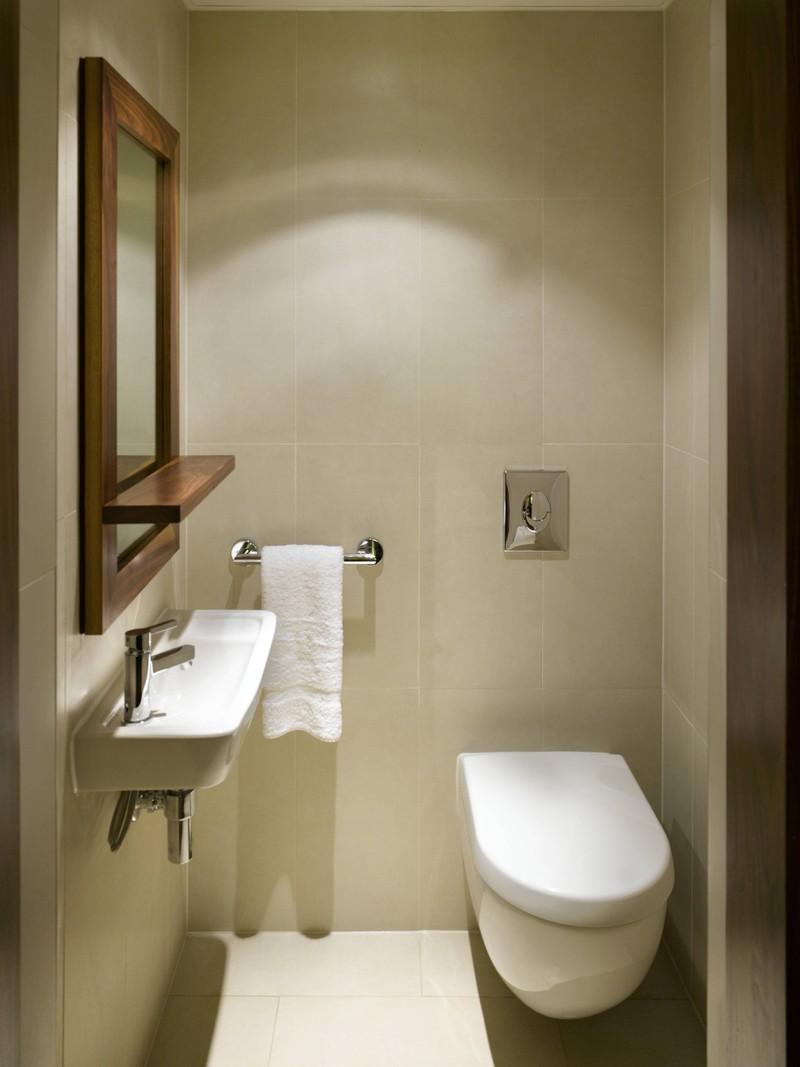 Eine Toilette in einem Hotelzimmer sollte ebenfalls den Sauberkeits-Check bestehen