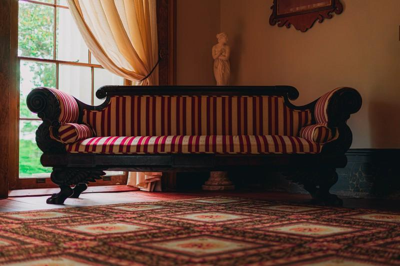 Manche Hotel Möbel sind nicht so sauber, wie sie scheinen, auch für die Mitarbeiter ist das manchmal nicht ganz so einfach zu erkennen.