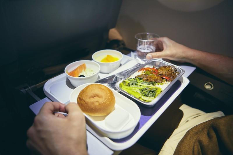 Flugbegleiter mögen es nicht, wenn man das Flugzeug wie ein Restaurant behandelt